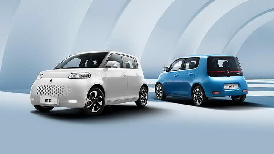 El vehículo hace honor a su desarrollo con BMW