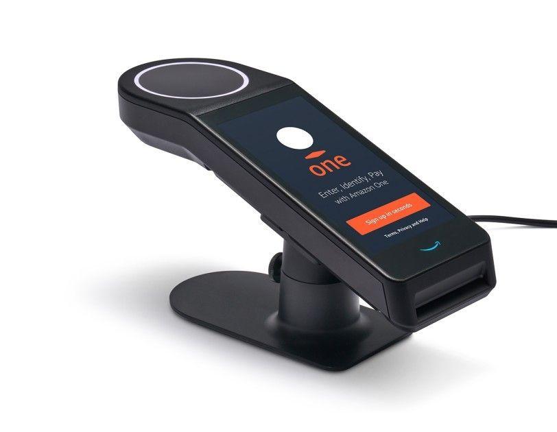 Amazon One es una forma rápida, conveniente y sin contacto para que las personas usen la palma de su mano para sus actividades diarias.