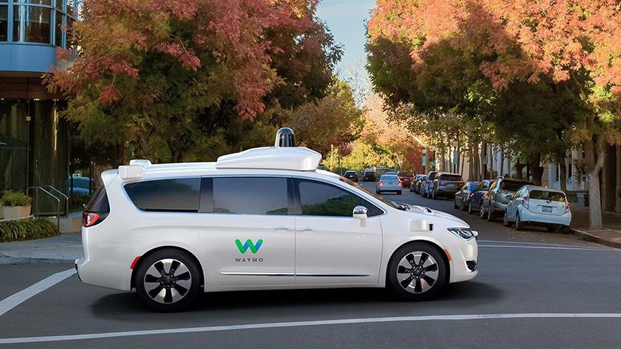 Waymo de Google es una de las pioneras en este campo.