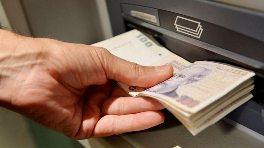 Varios bancos ofrecen a los titulares de cuenta sueldo la posibilidad de gestionar un adelanto de sus haberes