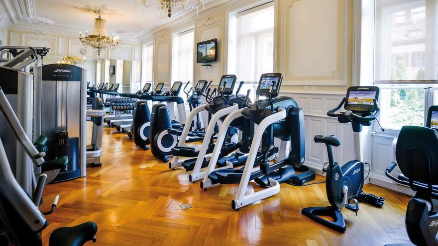 Con los gimnasios cerrados, los lugares de entrenamiento pueden alquilar sus máquinas.