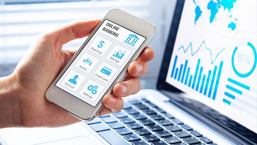 Las empresas en el sector bancario se han lanzado a una serie de proyectos de inversión para desarrollar sus recursos digitales.