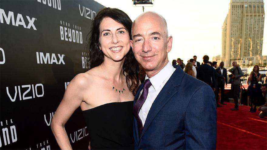 Juntos durante 25 años. Mackenzie, la exesposa de Bezos