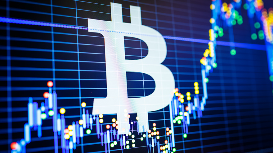 Bitcoin, apunto de superar su pico máximo