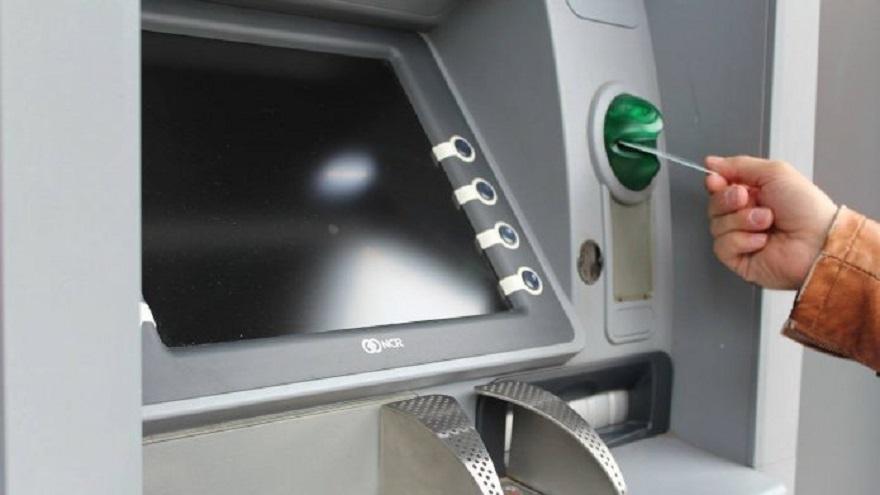 Los usuarios pueden retirar efectivo de cajeros aunque no tengan la tarjeta de débito
