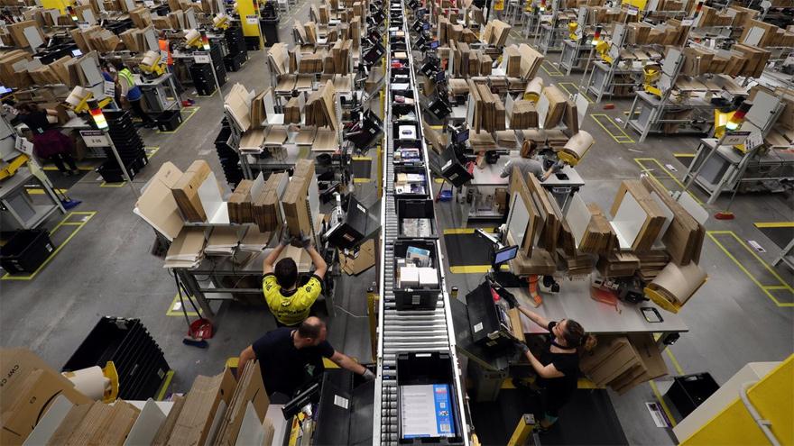 Amazon ofrece sus servicios internacionales que incluyen costos de envío y aduanas.