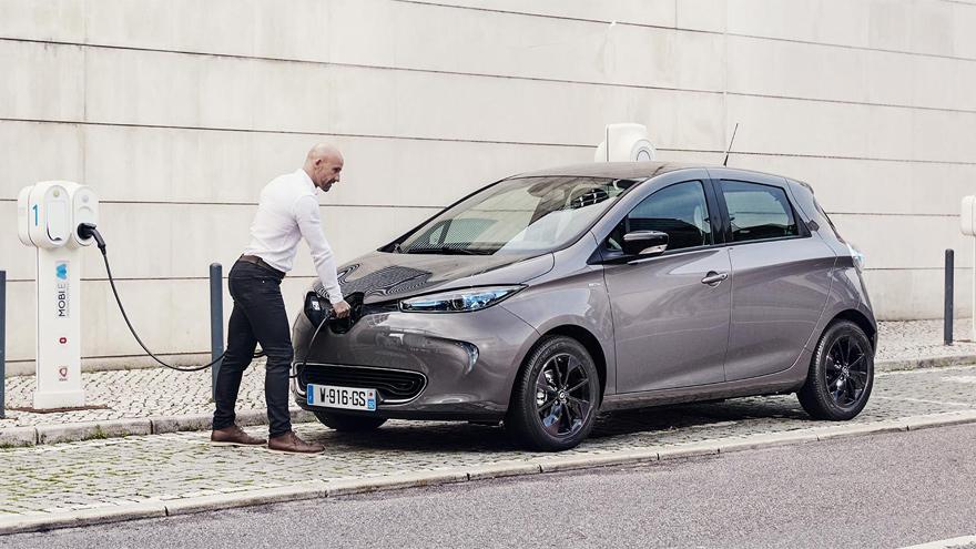 en Reino Unido pondrán fin a la venta de autos de combustión a partir del 2030.