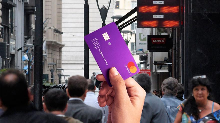 El primer producto de Nubank en Colombia será una tarjeta de crédito Mastercard, contactless