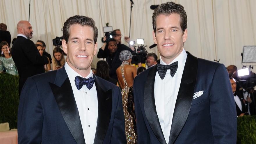 Los gemelos Winklevoss en un evento público