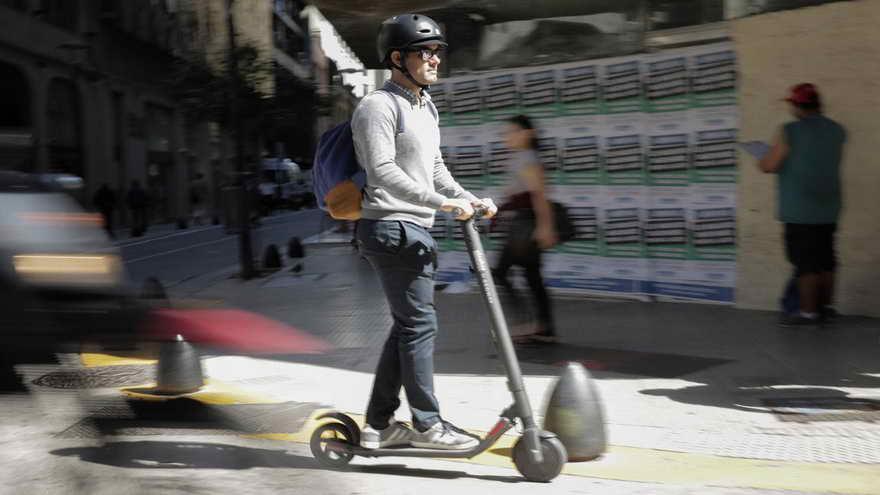 Los monopatines eléctricos también forma prte de la movida de movilidad sustentable