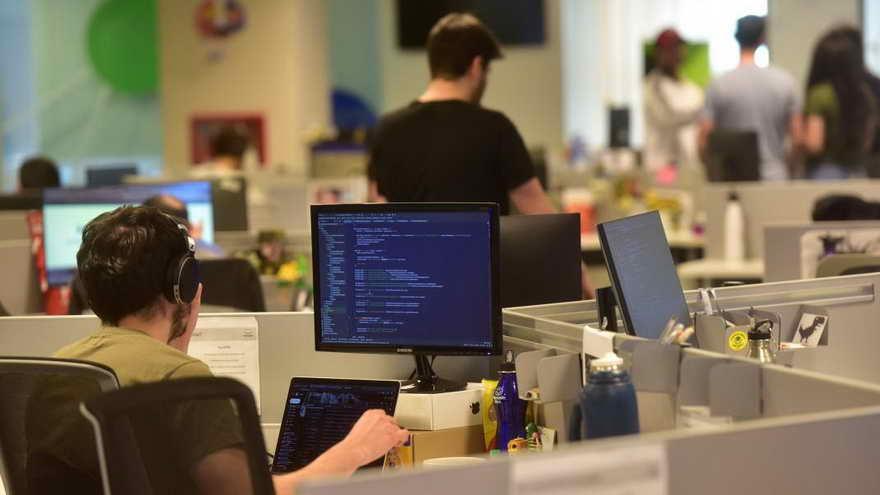 Según los expertos, las empresas deberían estar obligadas a