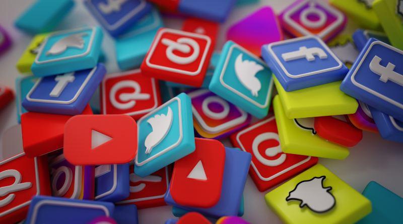 Las redes sociales son un gran espacio para mostrarse y hacerse conocer, pero hay que tener cuidado de a quién se sigue