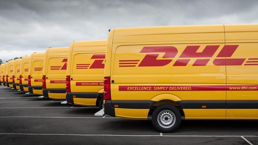 DHL es la empresa de paquetería más importante a nivel mundial, integrada desde 2002 en el grupo Deutsche Post DHL,  con sede principal en Alemania