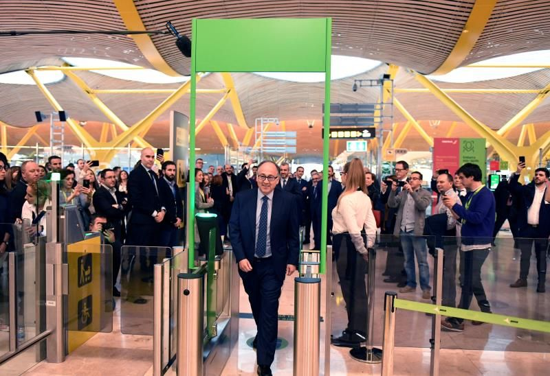 Los aeropuertos ya comenzaron a sumar tecnologías para evitar el contagio.