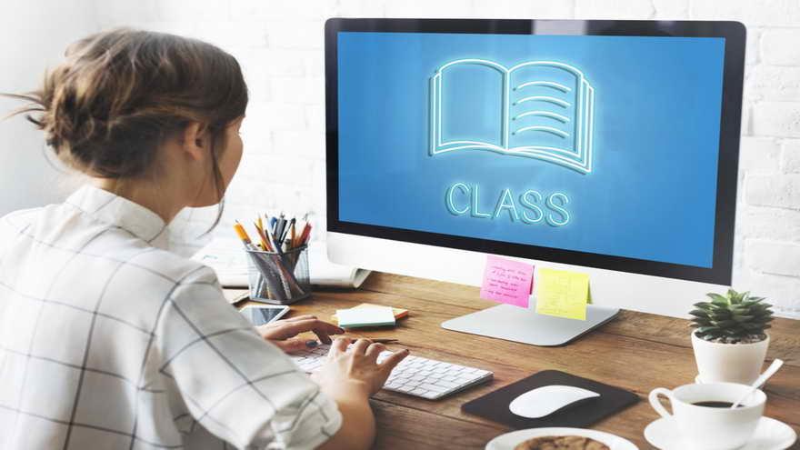 El certificado profesional de marketing en redes sociales está conformado por cinco cursos