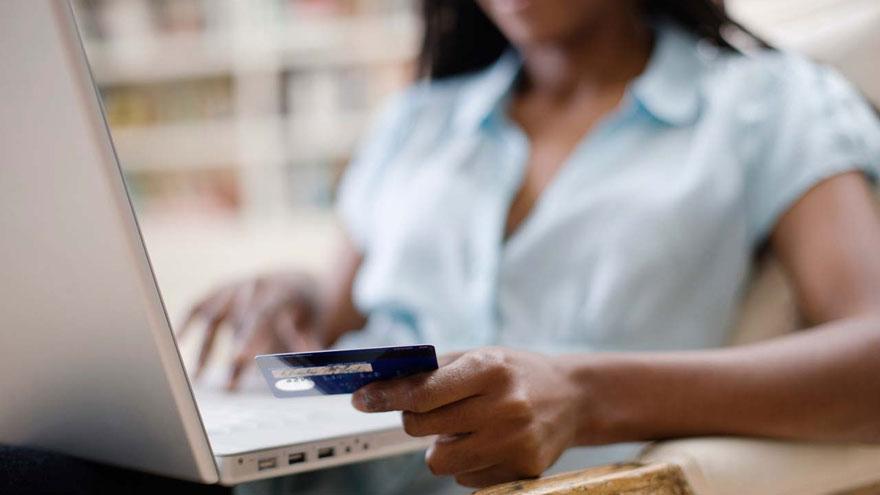 Comprar por Internet es parte de la