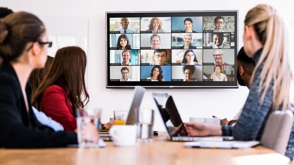 El estudio revela que sí es más agotador tener conferencias virtuales que las presenciales