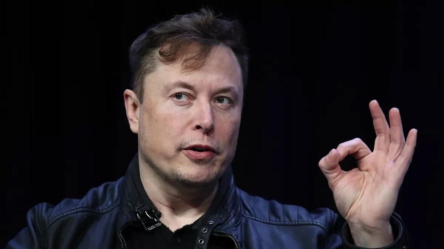 Elon Musk y sus cuentas fueron algunas de las atacadas para generar una estafa por bitcoins