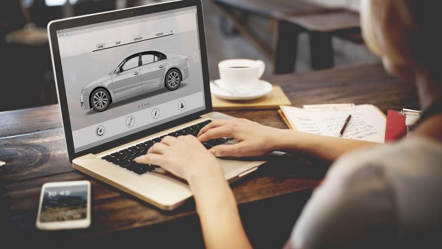 Hasta los autos y los seguros se venden en Mercado Libre