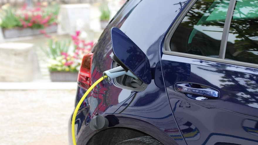 No son pocos los incentivos que se brindan para poder adquirir vehículos eléctricos o híbridos