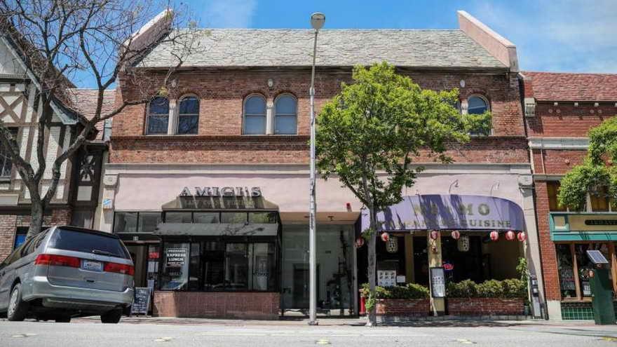 La primera sede de YouTube estaba encima de una pizzería en San Mateo, California