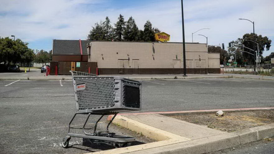 El citado aparcamiento en California