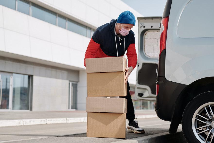 Detrás de cada compra hay un complejo proceso de organización y entrega.