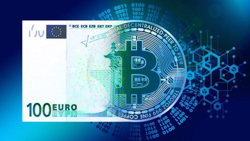 También en España hay un reciente proyecto de ley que busca disminuir, e incluso eliminar el dinero en efectivo