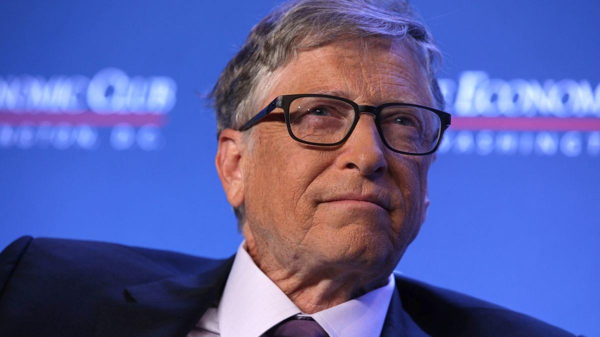 Bill Gates, entre los