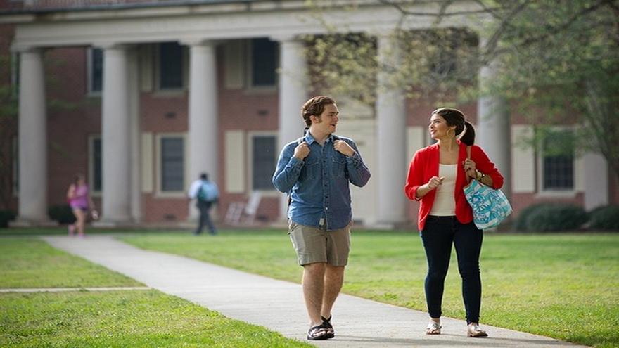 Aunque el idealpara muchos es estudiar en un camus universitario, esa opción no es accesible a todos