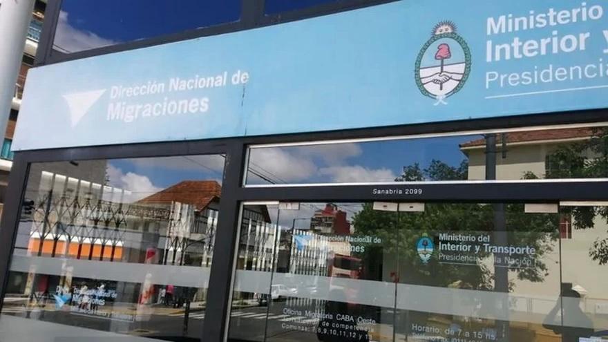 Hackers piden a Argentina $76 millones para devolver datos de migraciones — Clarín