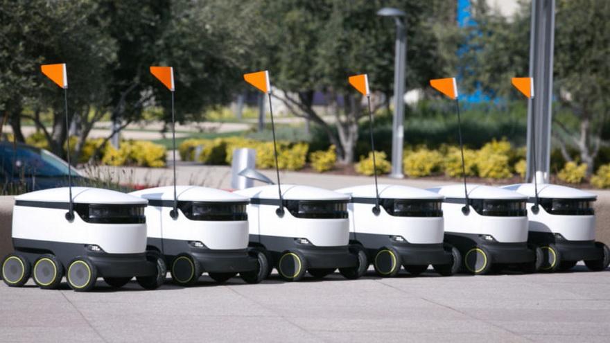 En un fu turo cercano esprobable que te cruces con estso simpáticos robots varias veces en la calle