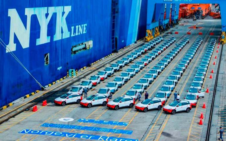 El carguero que transportaba estas primeras 100 unidades del Xpeng G3, salió de China el 25 de septiembre rumbo al continente europeo.