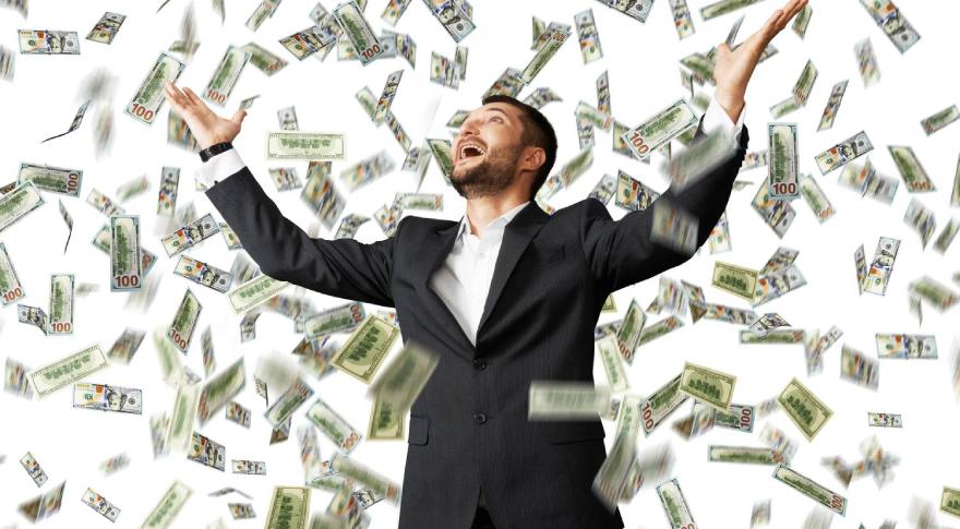 Pode r cobrar una parte de tu sueldo en dólares evitaría lapesificación al dólar oficial y podrías evitar el cepo