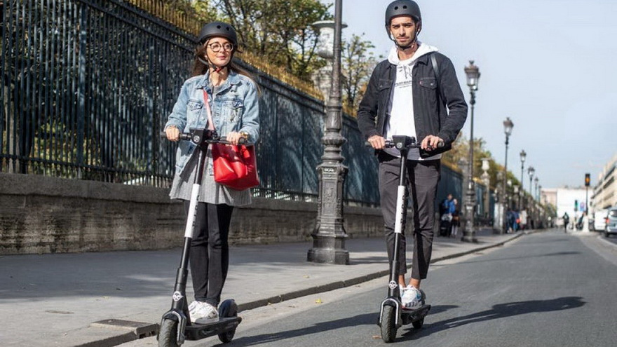 Este tipo de movilidad permite ahorrar tiempos, no sólo por su rapidez, sino porque no requiere lugar para estacionarlo.