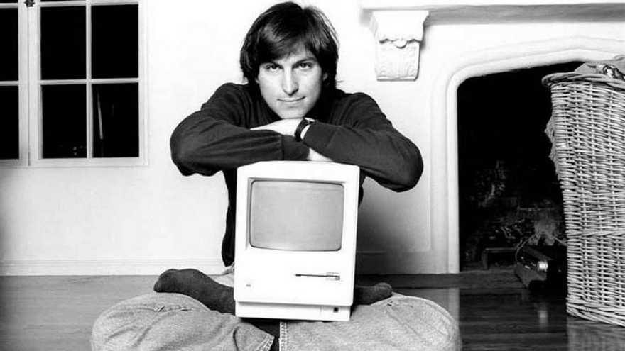Desde su juventud al crear Apple Jobs nos comenzó a mostrar el camino del liderazgo