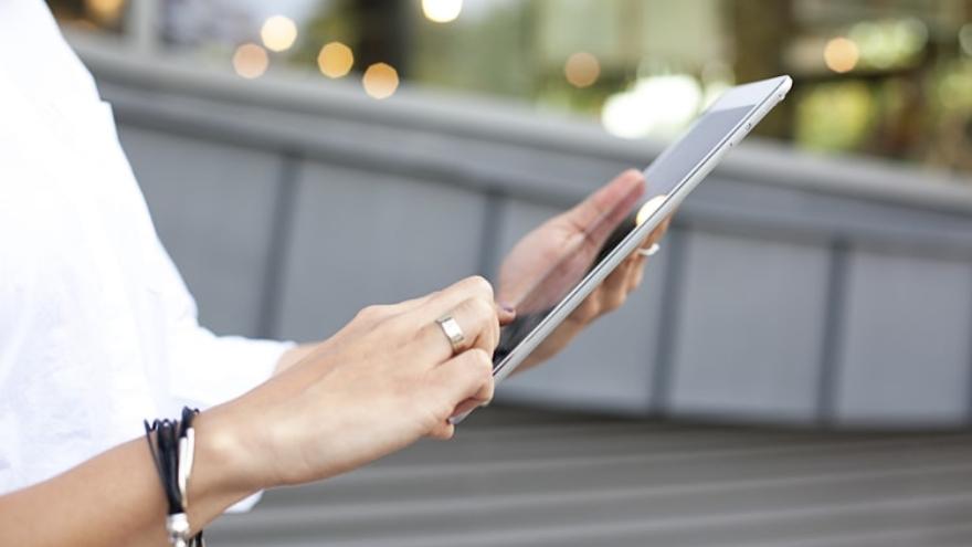 Este servicio simplifica el modelo de pagos existente y habilita a los bancos y no bancos a ofrecer, previo consentimiento del cliente