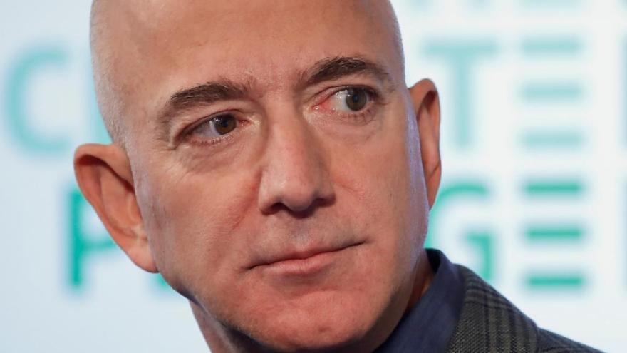 Amazon es rival de Neflix y de Mercado Libre, pero le vende almancenamiento en la nube