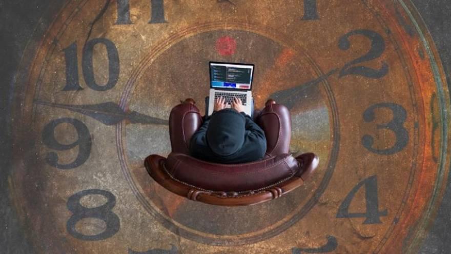 La máquina del tiempo de eToro permite simular inversiones en el pasado