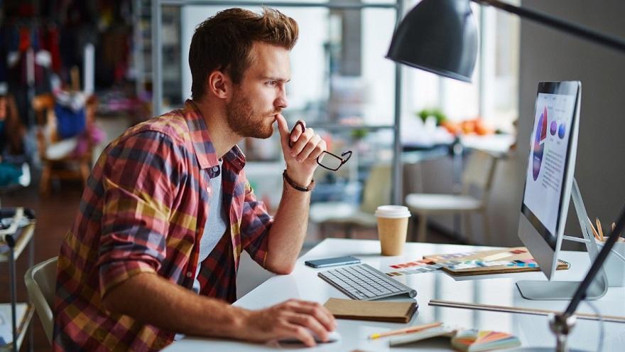Los freelancers que trabajan para el exterior sólo tendrán que abonar 0,25% por sus cobros en criptomonedas