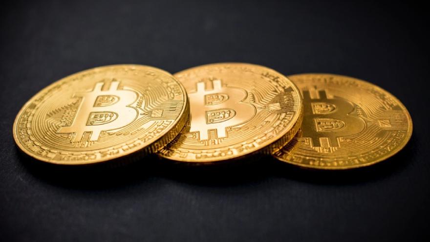 Bitcoin permite ganar de dos modos: por la suba de su valor o la suba del dólar