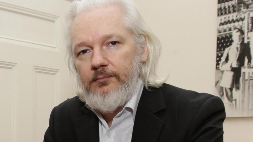 Por su parte, la defensa de Assange anunció que pedirá la libertad bajo fianza de su cliente.