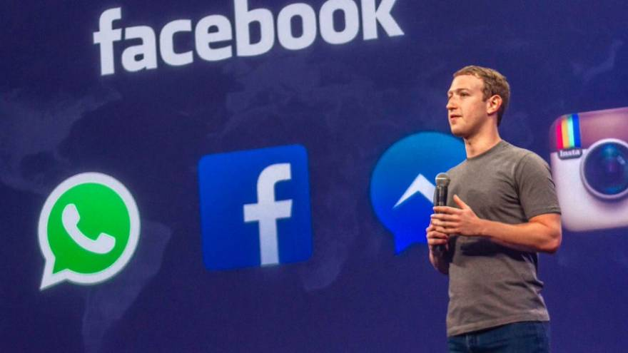 Fue gracias a la participacion del CEO de Facebook ue la nueva red social se volvió viral