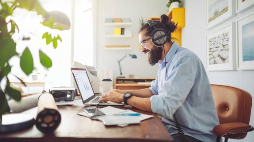 El teletrabajo hogareño debido a las restriciones por el distanciamineto social también han impactado en el modelo de negocios de WeWork