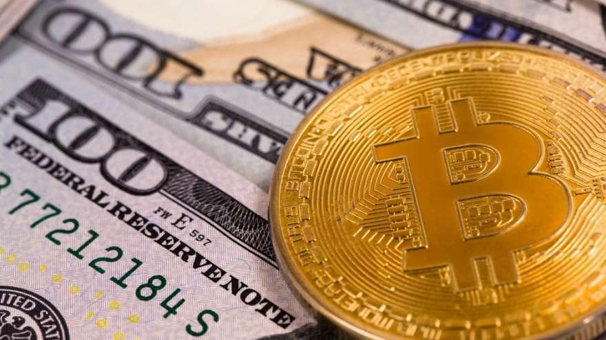 Las trabas para ahorrar en moneda fuerte son fácilmente eludibles con las criptomonedas