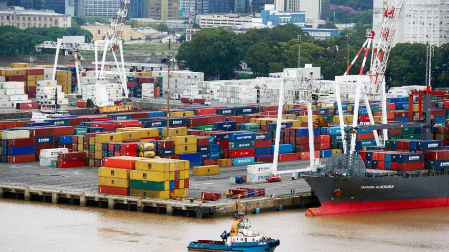 Buenos Aires, La Plata y Dock Sud, son algunas de las terminales afectadas por la medida de fuerza.
