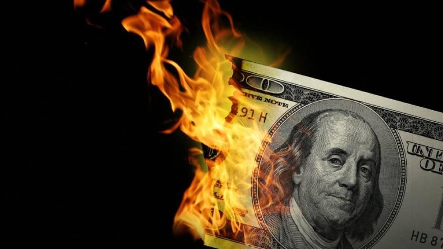 El dólar se ha depreciado, y aunque aún no ha roto aún bajas históricas, crea preocupación en los mercados