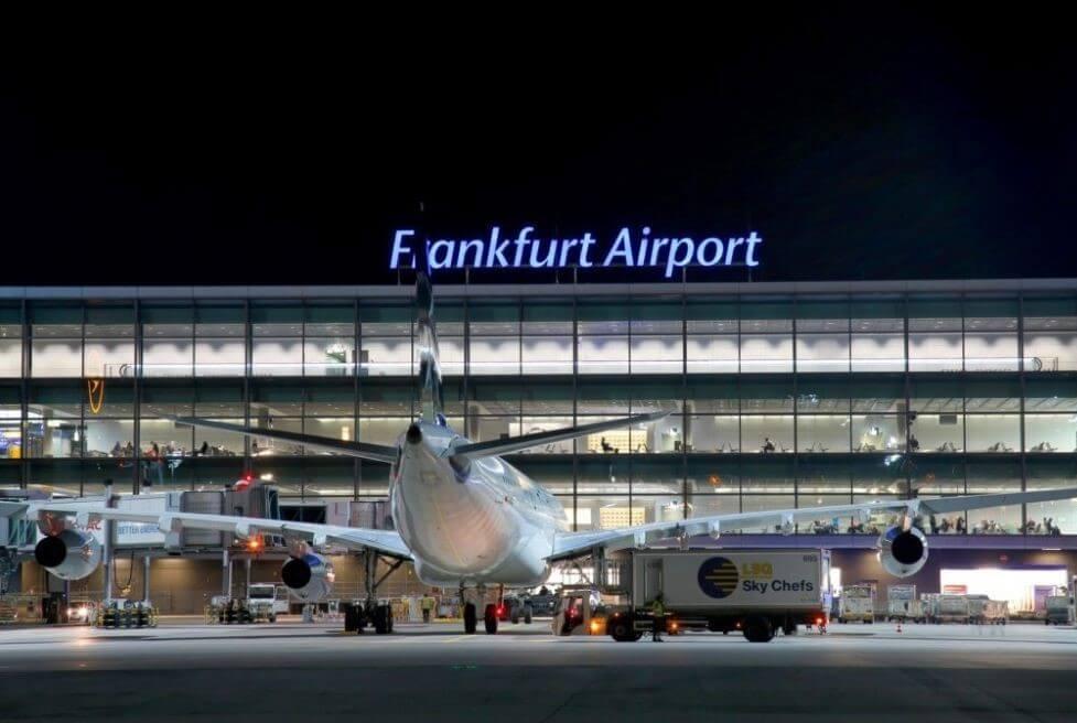 Vista exterior del aeropuerto de Fráncfort, Alemania