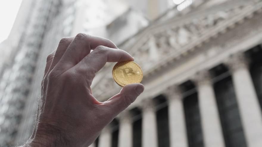 el precio de bitcoin también, llegando a cotizar por encima de los u$s40.000