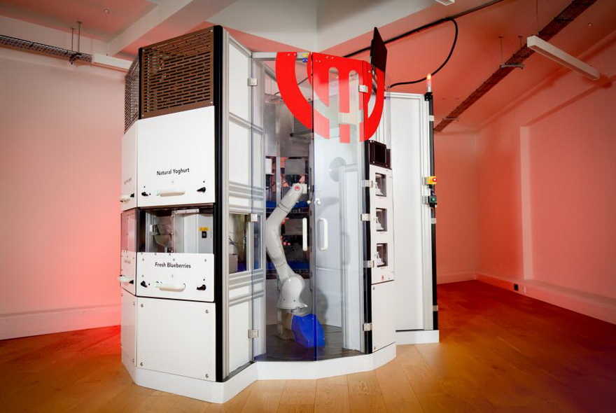 El robot preparará individualmente cada comida, seleccionando entre 18 ingredientes fríos o calientes